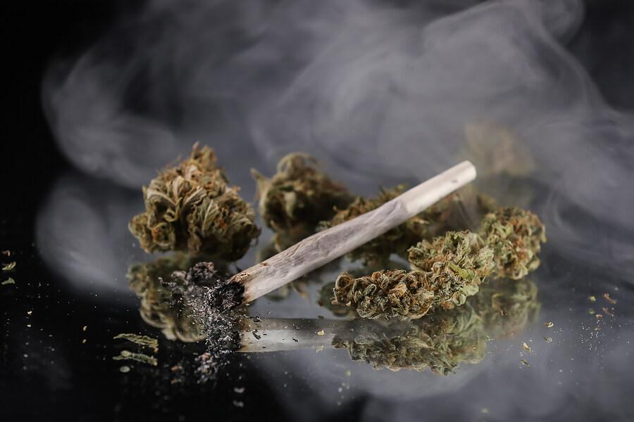 Individuals Smoke Weeds