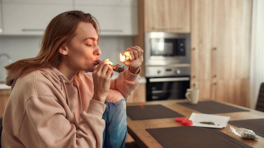How to Smoke Weed